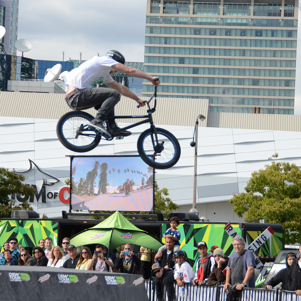 Huge 180 transfer Braden Bygrave at BMX Dew Tour Am Series in Toronto