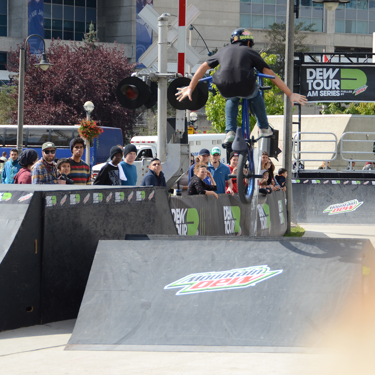 Tuck no hander at BMX Dew Tour Am Series in Toronto