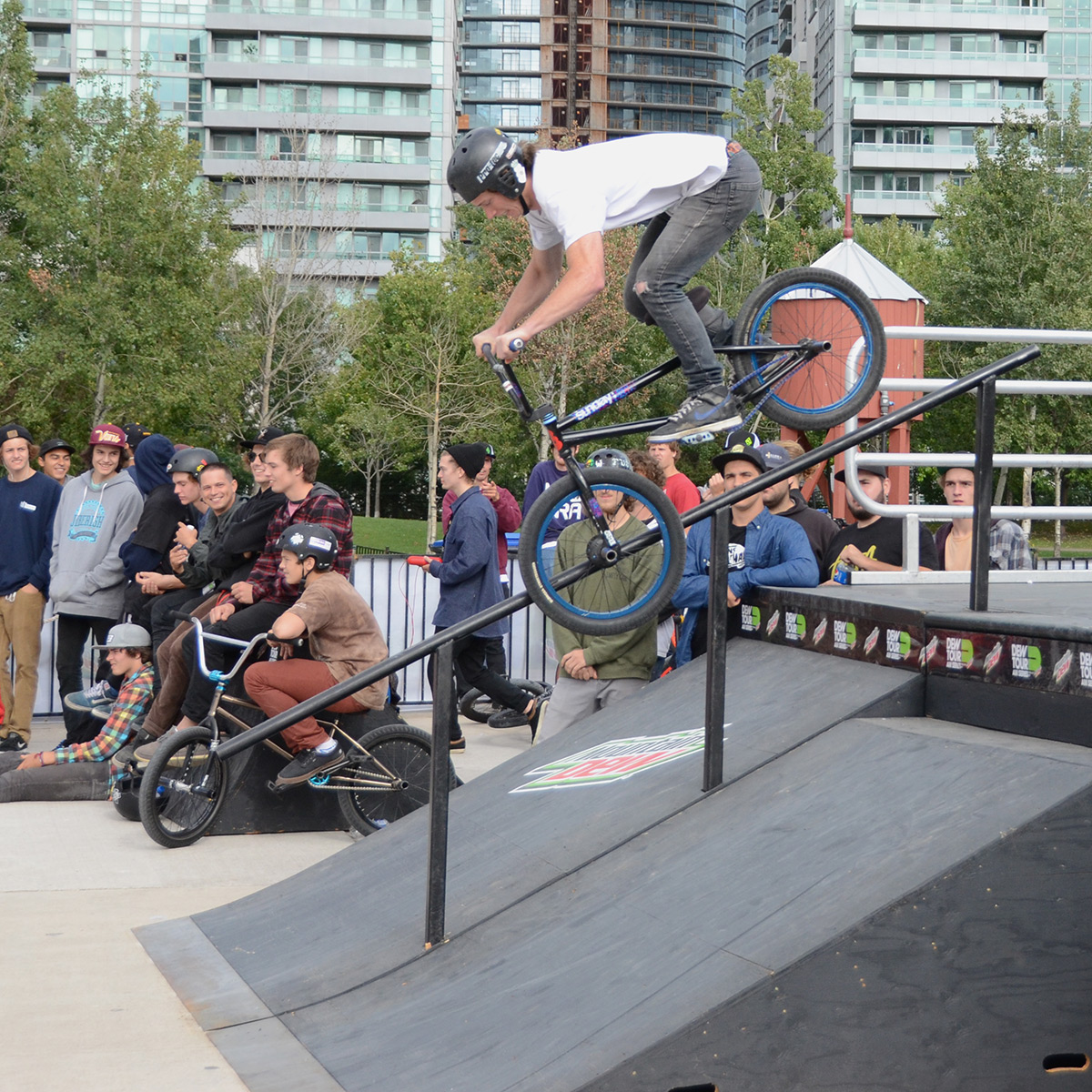 Tooth grind at BMX Dew Tour Am Series in Toronto