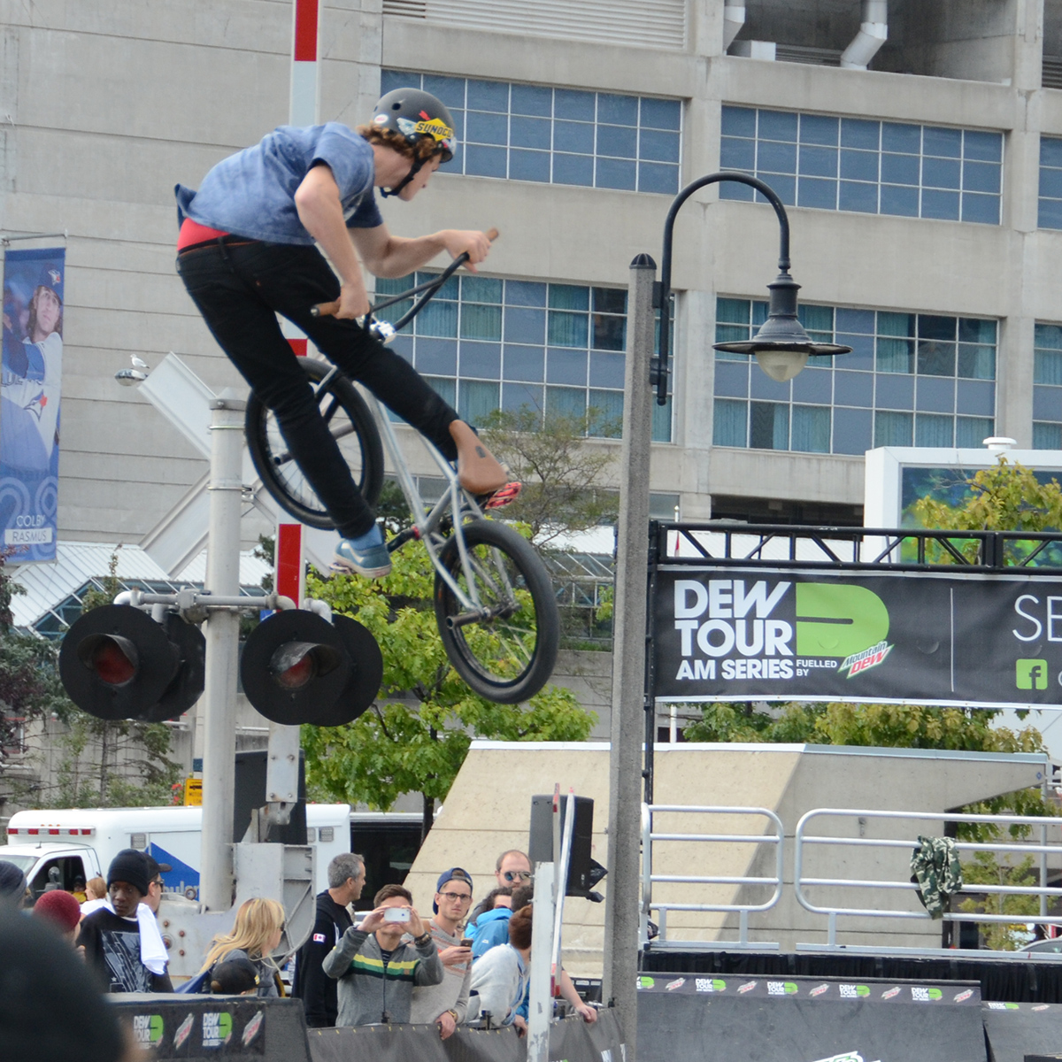 Jamie Cooper Elilis cranks a turndown at Dew Tour Am Series in Toronto