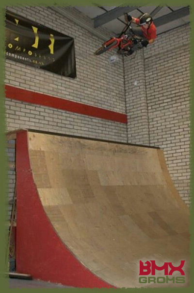 Kieran Reilly blasting a huge quarter pipe air.