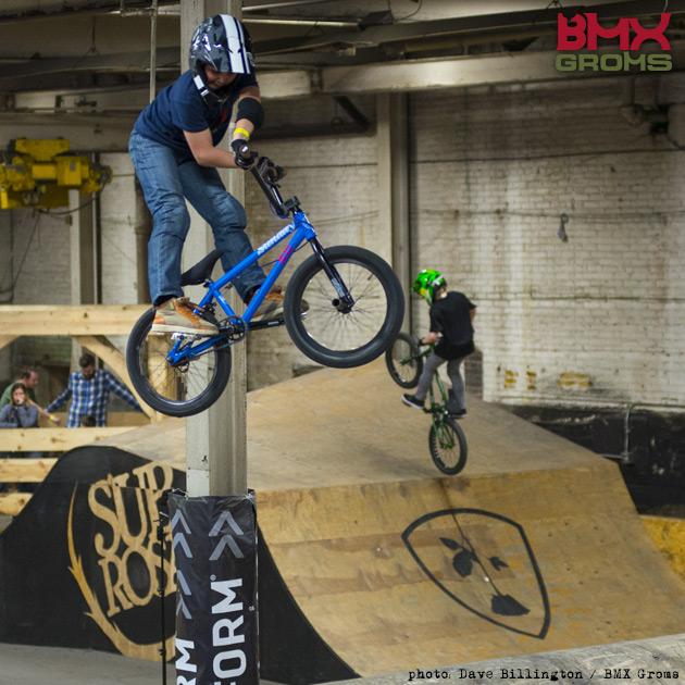 Nahum Billington X-up air
